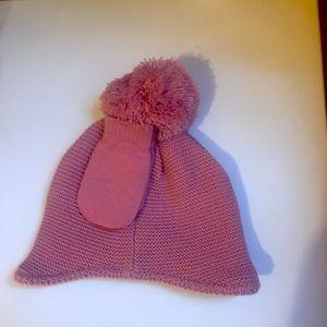 Bnwt beanie/mittens set , size 6-12 months